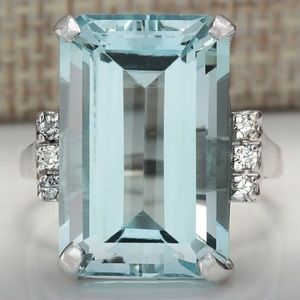 NWT Sterling Silver 10 ct Aquamarine Ring Size 8